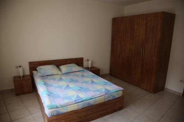 Apartment 2 bedroom Lardge